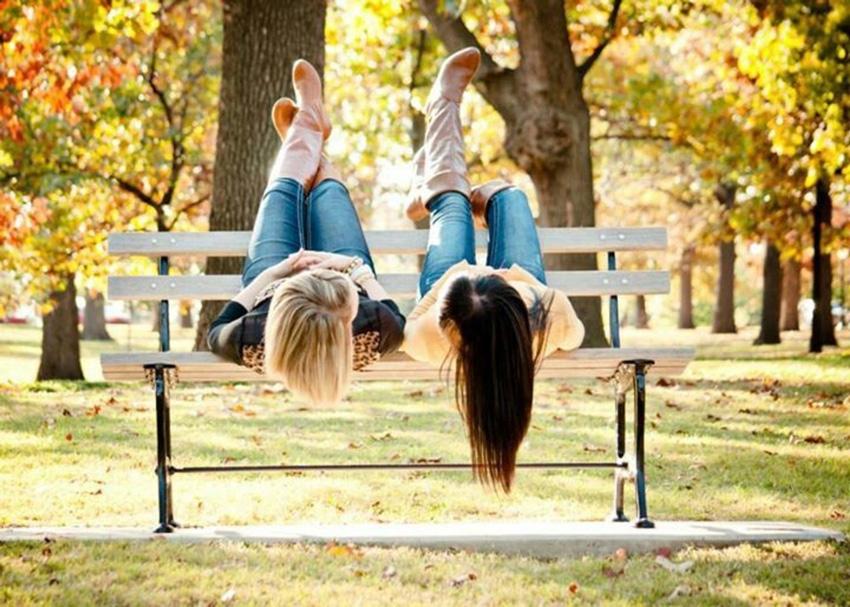 Идеи для фото на улице с подругой