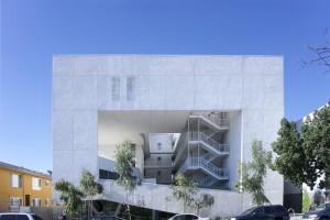 Комплекс социального жилья для бездомных в Лос-Анджелесе