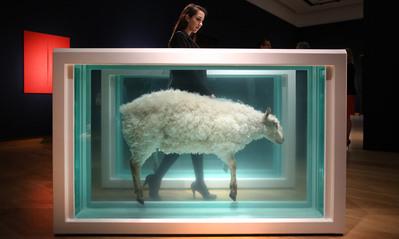 10 скульптур и инсталляций из Tate, которые помогут понять современное искусство