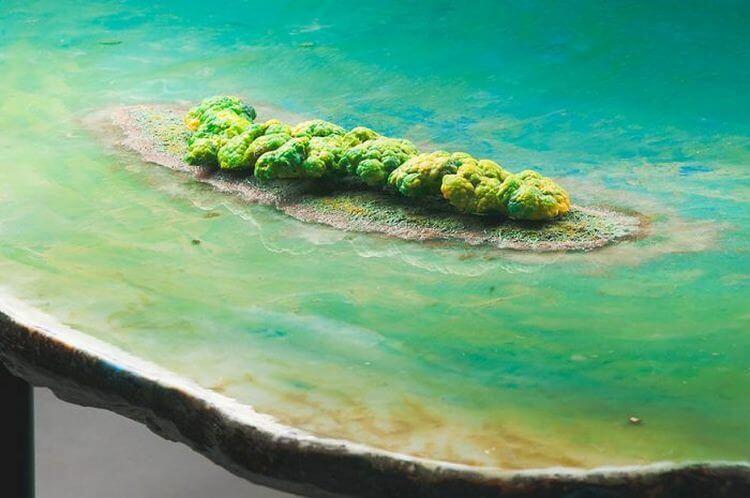 10. Стол-озеро