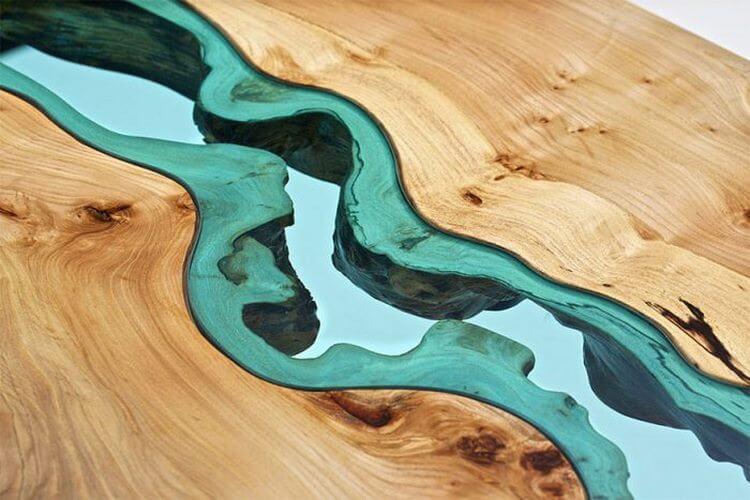 2. Стеклянная река