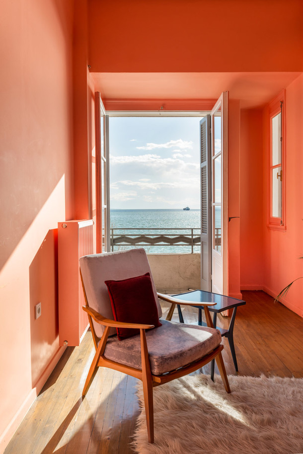 Яркие апартаменты с видом на море