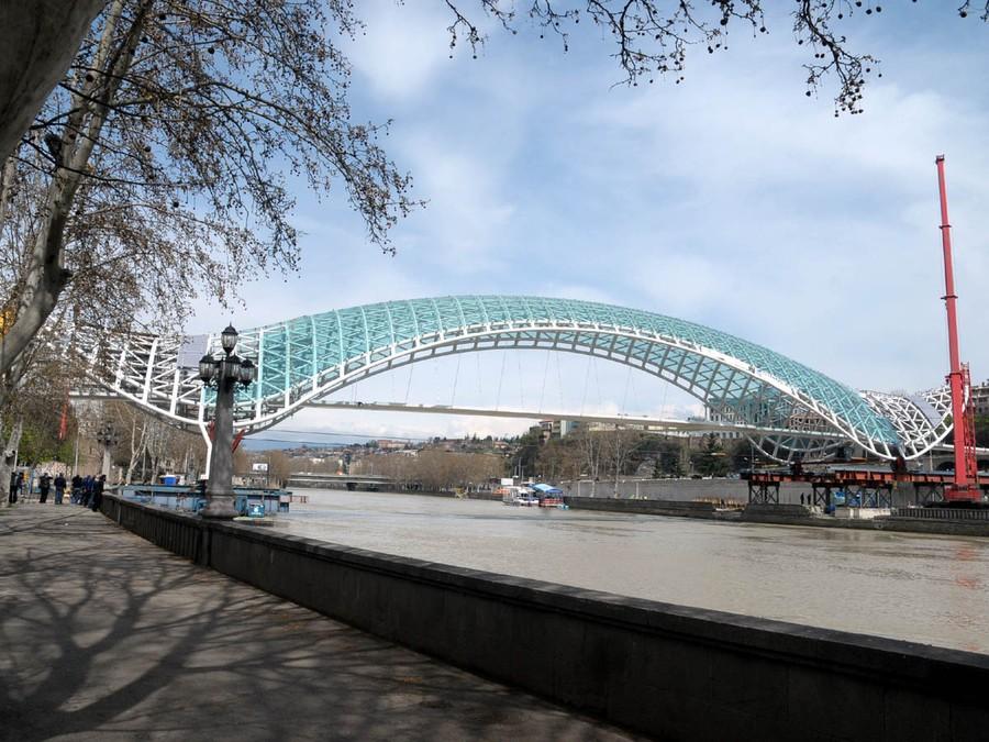9. Мост Мира, Тбилиси, Грузия