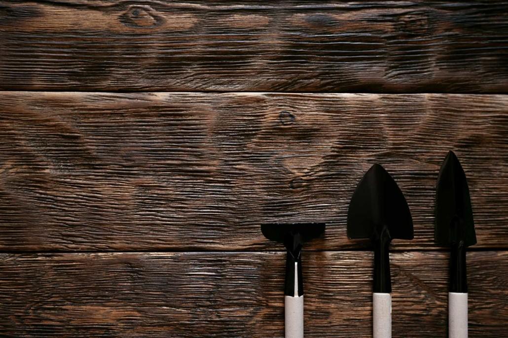 3. Хранение небольших садовых инструментов